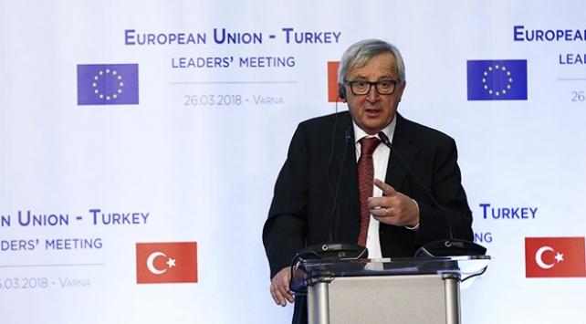 """""""Türkiye ile müzakerelerin devamının garantörüyüm"""""""