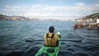 İstanbul boğazı kanolarla renkleniyor