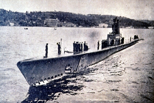 Dumlupınar denizaltısı 65 yıl önce 81 mürettebatıyla battı