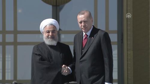 Cumhurbaşkanı Erdoğan, İran Cumhurbaşkanı Ruhani'yle bir araya geldi