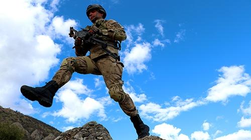 Kahraman komandolar hazır kıta vatan savunmasında