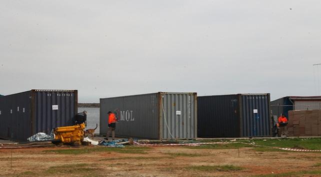 Denizde bulunan konteynerlerden tonlarca sigara çıktı