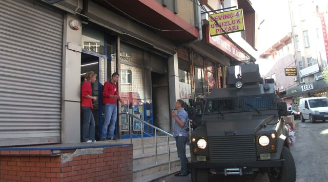 İstanbulda Markete Molotoflu Saldırı