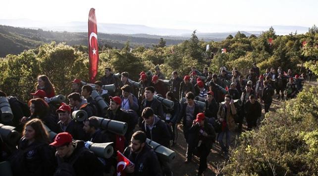 10 bin genç atalarına Vefa için yürüyecek