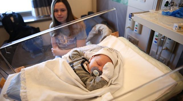 Adijan bebek kalbi durdurularak hayata döndürüldü