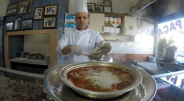 Kelle paça çorbasını şoklayarak, Türkiyenin her yerine gönderiyorlar