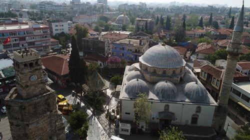 """Osmanlı'dan yadigar 4 asırlık """"taş papatya"""" yenileniyor"""