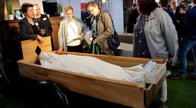 Cenaze fuarında yeni akım cenaze malzemeleri tanıtıldı