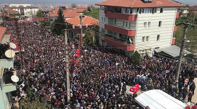 Şehit Uzman Çavuş Ahmet Baş ile Dursun Pampaı binler son yolculuğuna uğurladı