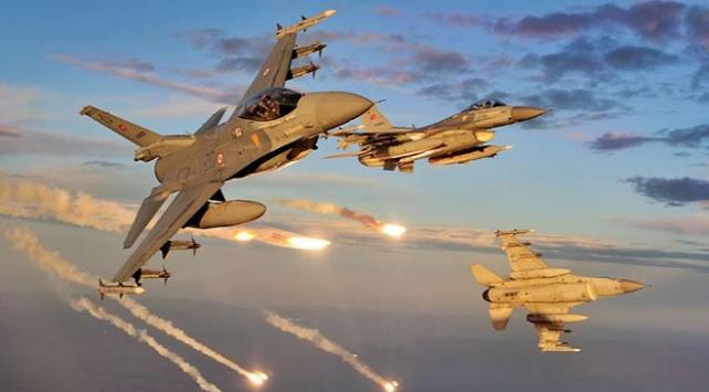 Ağrı Dağına hava destekli operasyon, 8 terörist etkisiz hale getirildi