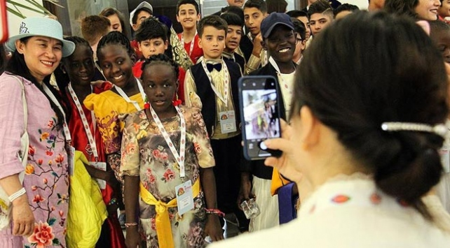 TRT Uluslararası 23 Nisan Çocuk Şenliği etkinlikleri başladı