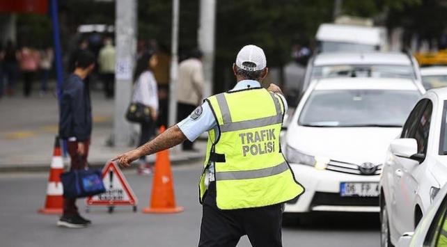 CHPnin oturma eylemi nedeniyle İstanbulda bazı yollar trafiğe kapatılacak