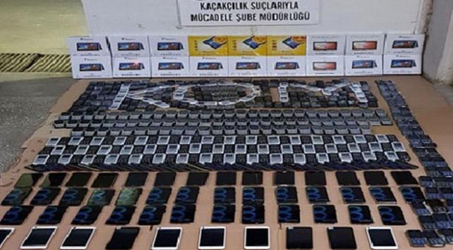 Ankarada 1,5 milyon liralık kaçak cep telefonu operasyonu