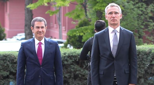 NATO Genel Sekreteri Stoltenberg, Milli Savunma Bakanı Canikli ile görüştü