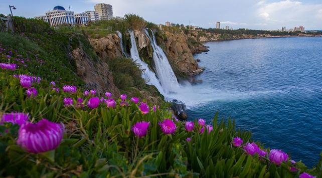 """""""Akdenizin incisi""""ni bahar güzelliği sardı"""