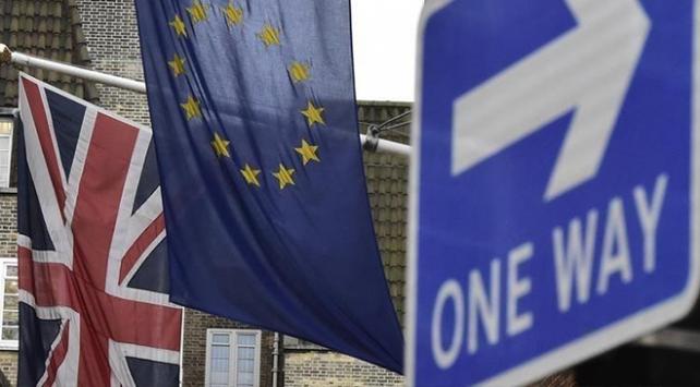 İngilterede Brexit için yeni referandum talebi