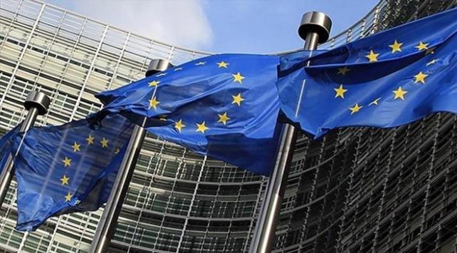 Avrupa Komisyonu FETÖ için ilk kez terör örgütü ifadesini kullandı
