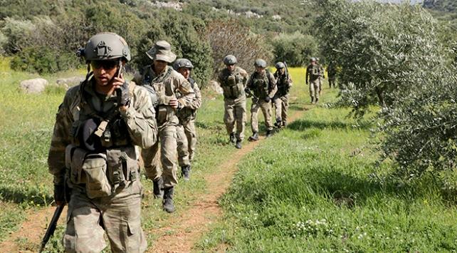 TSK ve ÖSO Afrinde güvenliği güçlendiriyor