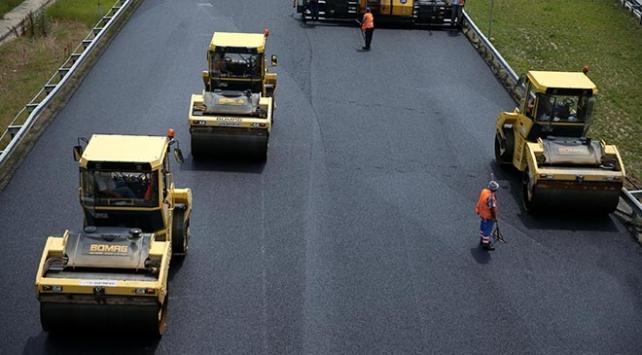 İstanbulda asfaltlama çalışması: Trafik 3 gün kontrollü sağlanacak