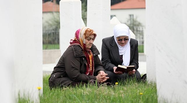 Ahmicide katledilen 116 Boşnak dualarla anıldı