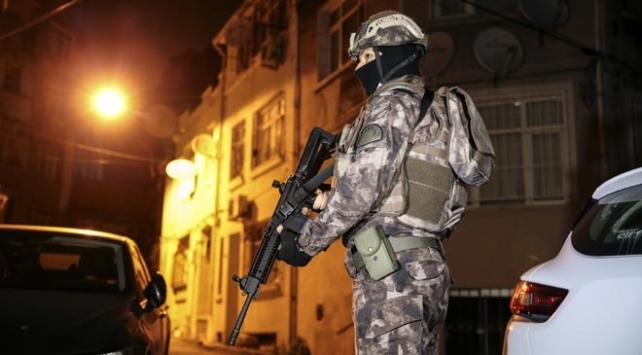 İstanbulda uyuşturucu tacirlerine şafak operasyonu