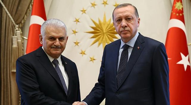 Cumhurbaşkanı Erdoğan ve Başbakan Yıldırım parti kurmayları ile bir araya geldi