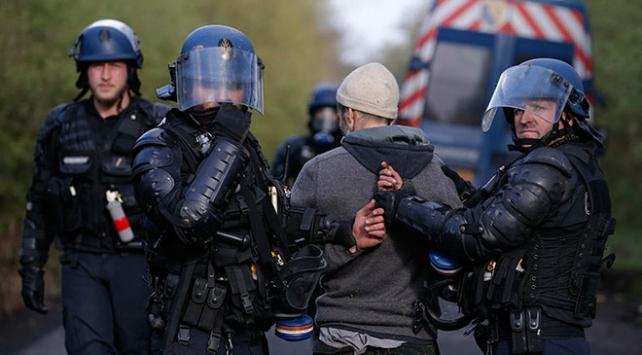 Fransada göstericilerle polis arasında çatışma: 18 gözaltı