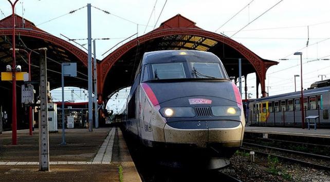 Fransada demiryolları özelleştiriliyor