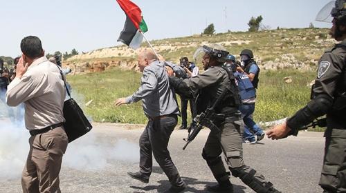 """İsrail askerleri """"Filistin Esirler Günü"""" gösterilerine müdahale etti"""