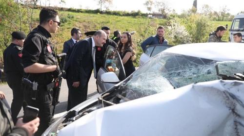 Bakan Soylunun konvoyu önünde trafik kazası