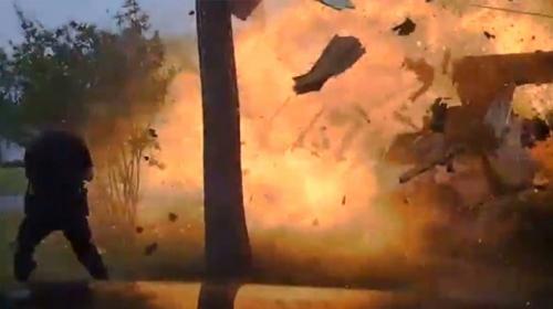 Gaz hattı delinen ev böyle patladı