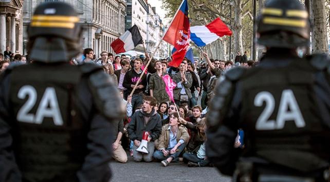 Fransada hükümete karşı güç birliği