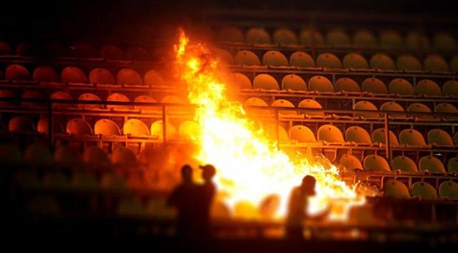 Bulgaristanda derbi maçında bomba patladı