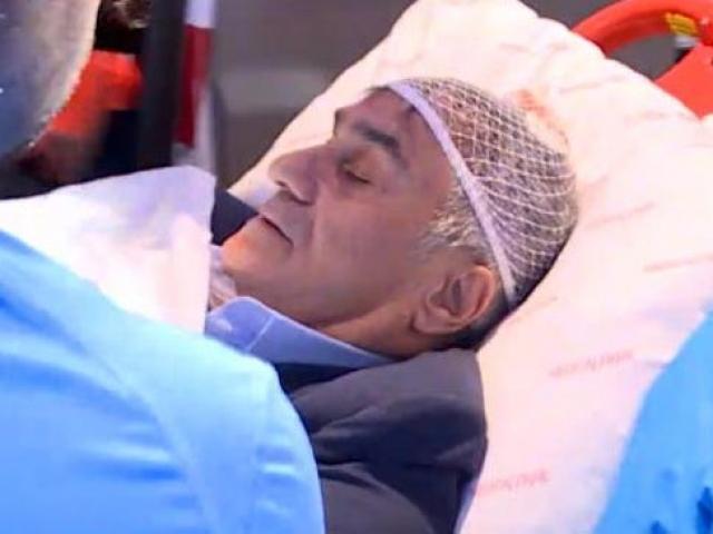 Beşiktaş Teknik Direktörü Şenol Güneş, olaylı derbide yaralandı