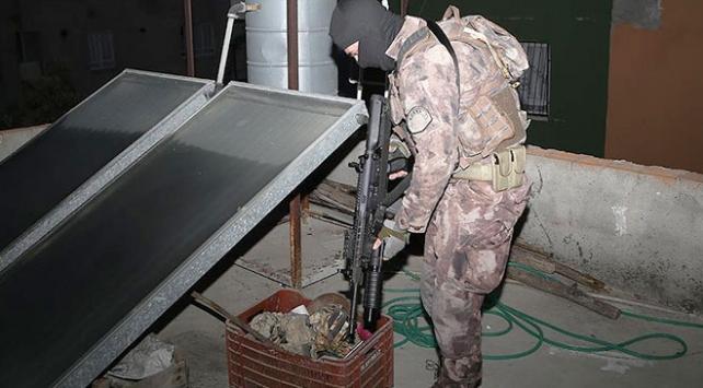 Adana'da yasa dışı silah ticareti operasyonu: 14 gözaltı