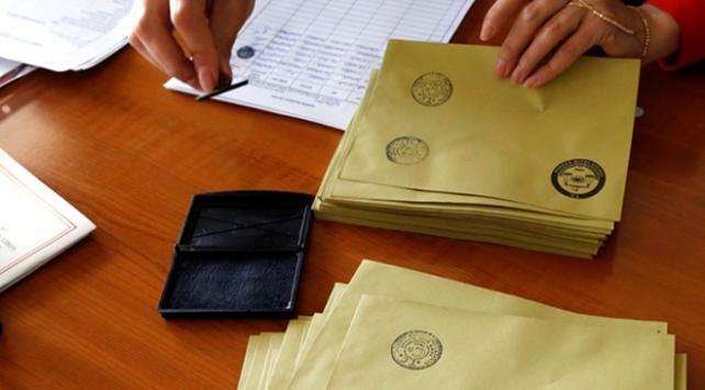 Aday YSKya başvuracak, seçmen ilçelerde imza verecek