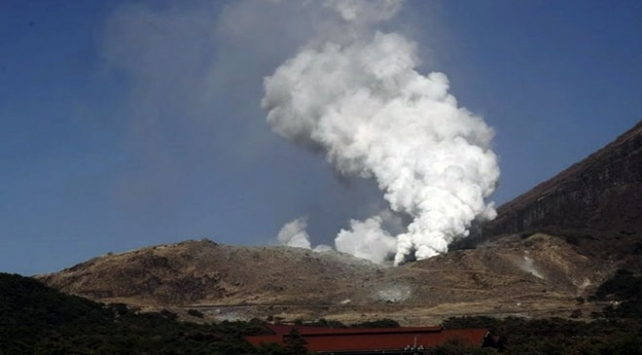 Japonyada bir yanardağ 250 yıl sonra faaliyete geçti