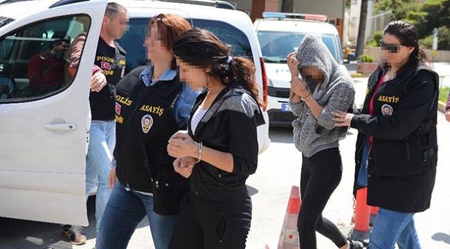 24 evi soyup, tatile ve eğlenceye gittiler: 4 gözaltı