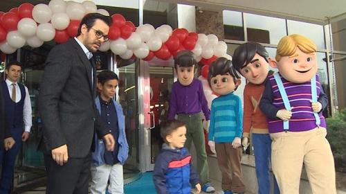 TRT Genel Müdürü Eren, çocuklarla Anıtkabiri ziyaret etti