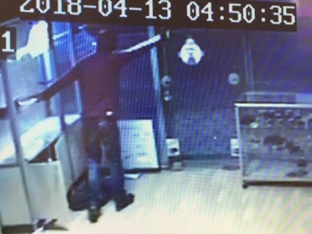 Hırsız, kendisini gören kişiyi kovdu
