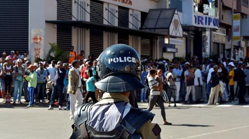 Madagaskarda seçim yasası protestolarında 4 kişi hayatını kaybetti