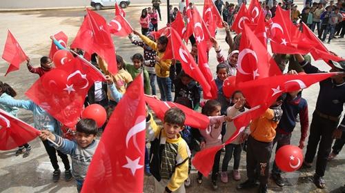 Afrinli çocuklar 23 Nisan'ı doyasıya eğlenerek kutluyor