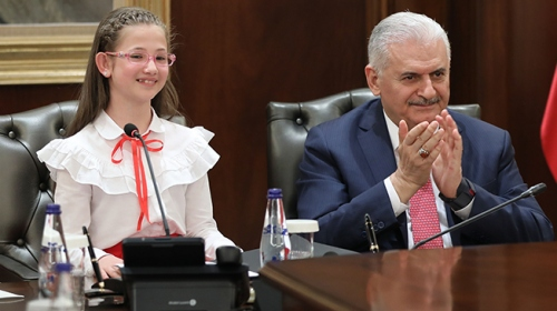 Başbakan Binali Yıldırım koltuğunu devretti