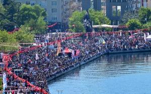 23 Nisan Türkiyenin her yerinde coşkuyla kutlanıyor