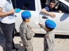 Mardin'de çocuklar yol kontrolü yaptı