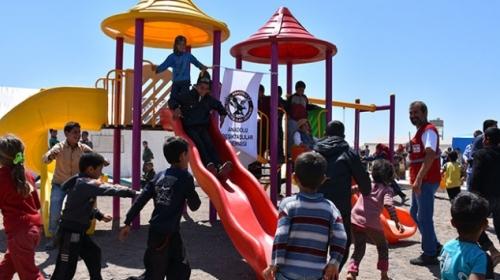 Kızılaydan Suriyeli çocuklara 23 Nisan sürprizi