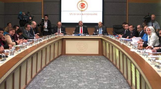 Anayasa değişikliği uyum paketi Anayasa Komisyonunda kabul edildi