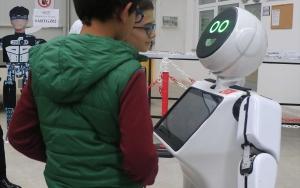 """""""Mini Robot Ada"""" Üçüncü Havalimanında göreve talip"""