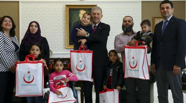 Sağlık Bakanı Ahmet Demircan Gazzeli Şerif kardeşler ile buluştu