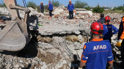 Samsattaki depremde 39 kişi yaralandı